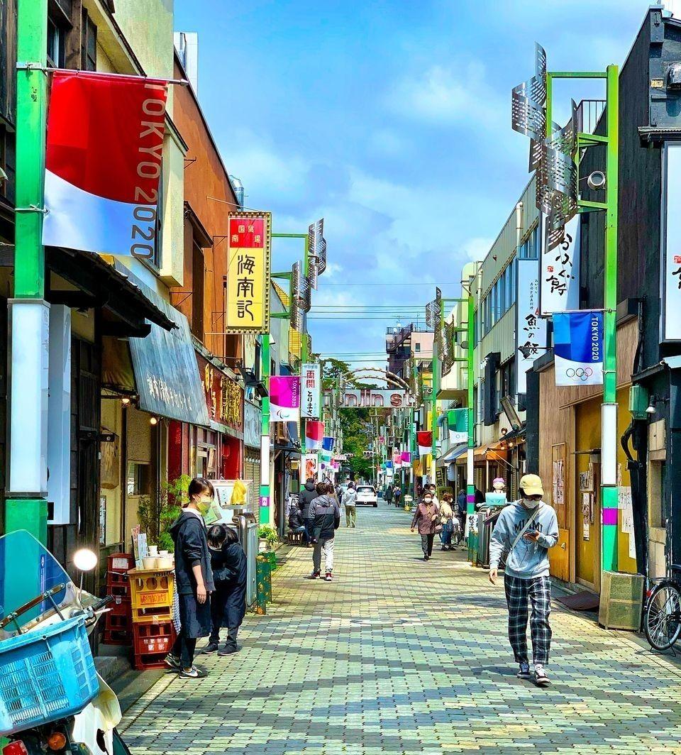 いろいろなお店が立ち並ぶ活気ある商店街。 ちょっとしたお散歩におススメです!
